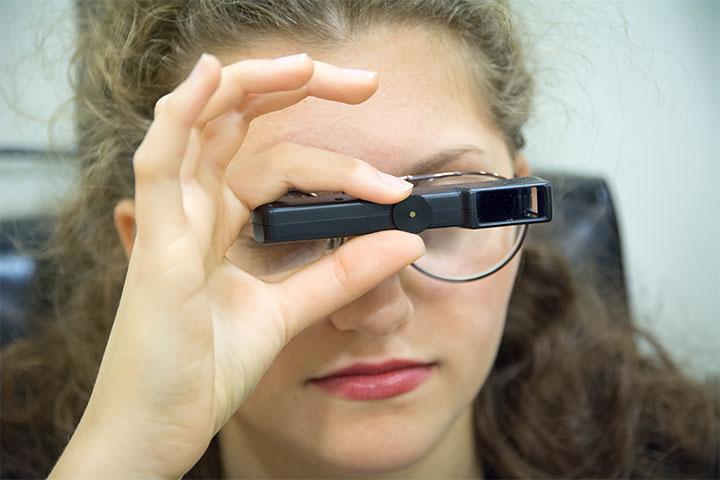 Εφαρμογή Ειδικών Γυαλιών Χαμηλής Όρασης